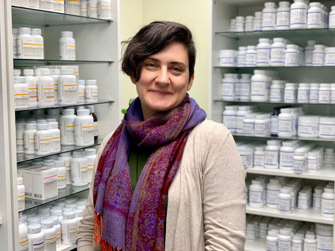 Carolyn Batz, Front Office